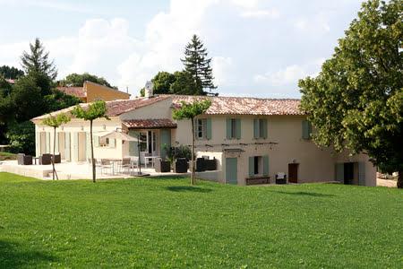 villa au milieu des vignes