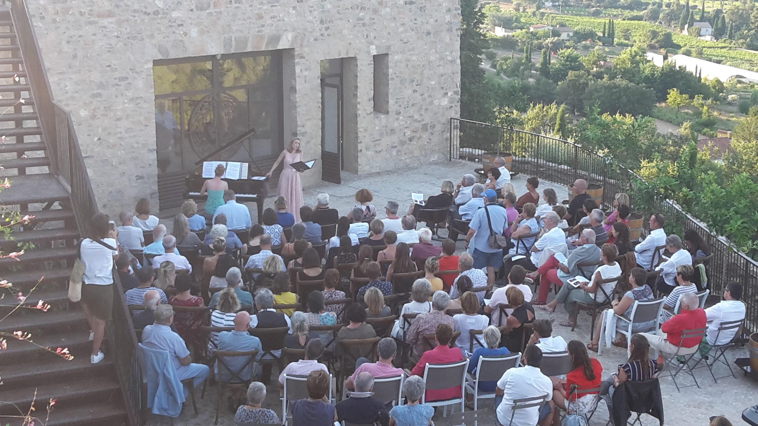 concert au milieu des vignes